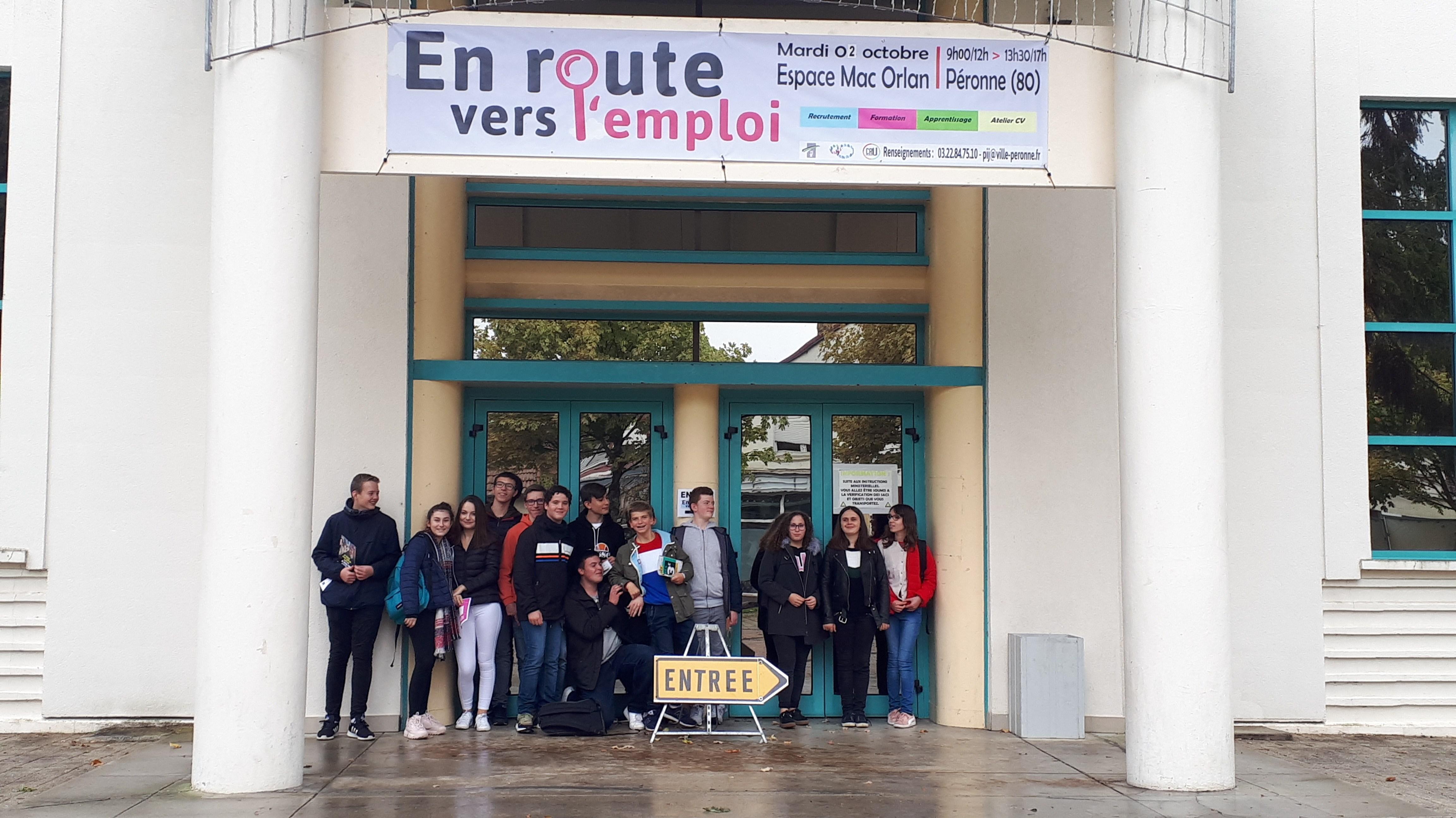 les-3c3a8me-pp-au-forum-de-lemploi.jpg
